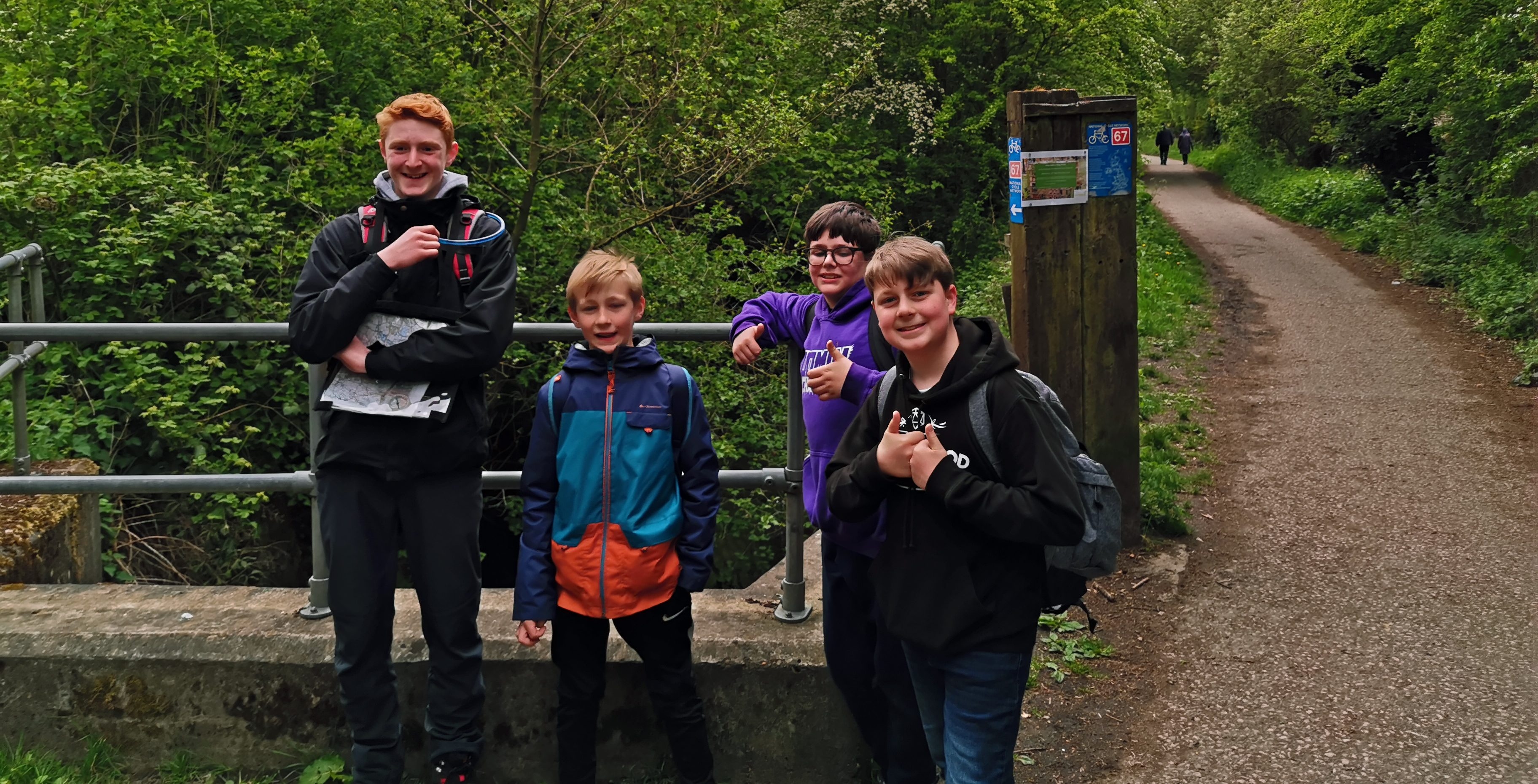 Scouts completing expedition challenge